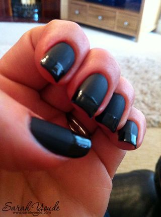 Black Matte / Shiny French Manicure