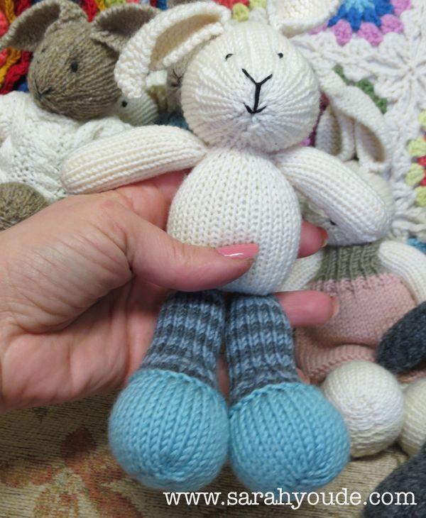 A Dorky Emu Knitting Sunny Bunny